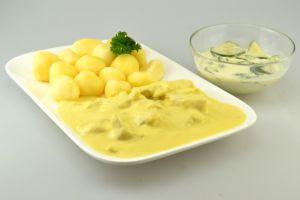 Seelachsfilet-Stücke in Honig-Senf-Sauce mit Kartoffeln